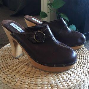 Steve Madden Brown Leather Faris Clogs 9B